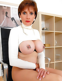Nipple play on milf