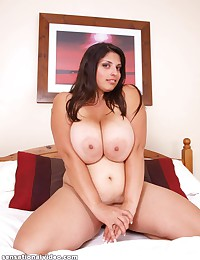 Spectacular big tits on BBW