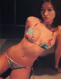 Sexy solo Japanese model