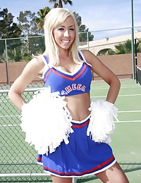 Cheerleaders are slutty