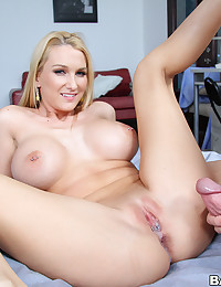 Horny Blonde Vixen Enjoys Creampie