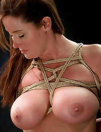 Heavy rope bondage on tits