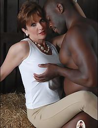 Free interracial sex porn pics