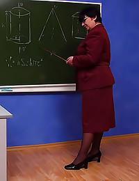 Mature teacher pussy filled up