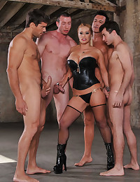 Slut in leather corset gangbanged