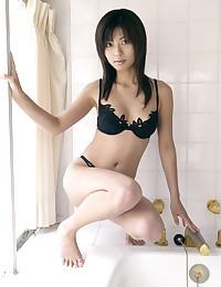 Sexy Asian Hottie Poses Nude