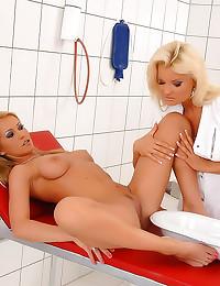 Wet pussy nurse play