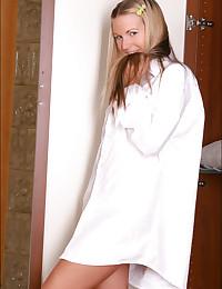 Heather Lightspeed - Cute blonde angel teasing us with her fantastic booty