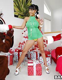 Latina Cougar Priya Rides Dick