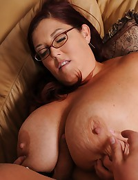 Hot fat girl cocksucker