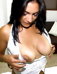 Nice natural boobs girl handj...
