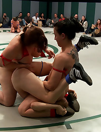 Sexy wrestling ladies in foursome