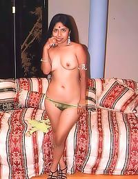 Curvy Indian loves a good gan...