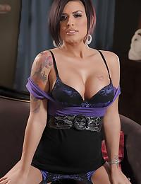 Succulent Raven Haired Goddess Eva Angelina