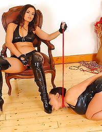 Kinky hot leather lesbian play