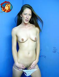 Skinny girl gets gloryhole cu...