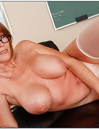 Busty Redhead Milf Darla Looks Luscious