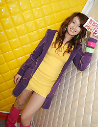 One Pretty Japanese Babe Go Naughty