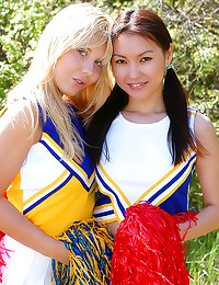 Cheerleaders make out and toy