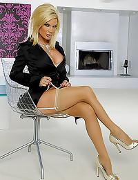 Diamond Foxxx hot milf lingerie