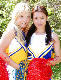 Cheerleaders lesbian sex outd...