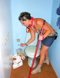 Sexy cleaning girl gloryhole ...