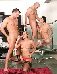 Scorching Hot Foursome On The Stairs