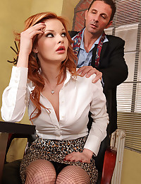 Redhead Beauty Tarra Loves The Cock