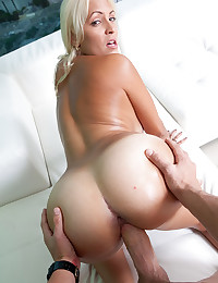 Tanned Blond Hottie Jazmyn Gets Boned