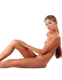 Skinny girl in the nude