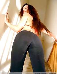 Tight jeans sliding down of sexy tall hottie
