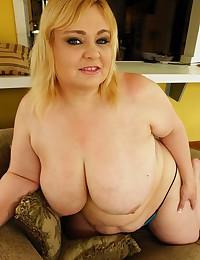 BBW Minx With Yummy Pussy