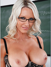 Amazing teacher and her striptease