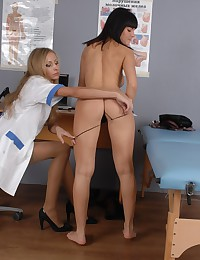 Her sexy undressed and mouthful gyno examinee