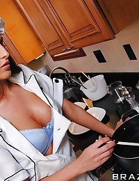 Keiran is looking for a new private chef. After several failed attempts, he finally finds someone that seems competent. She's got a great rack...of lamb recipe, and her tits are awesome! Her cooking skills really come out when it's time for dessert. Let's