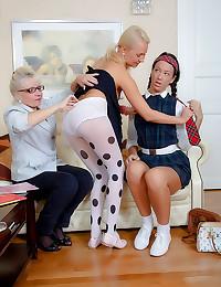 Milf teaches teens lesbian pleasure