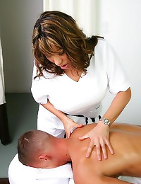 Massage lady rides his boner