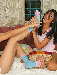 Two hot teens bare each other...