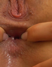 Julie Stuffs Ice Cubes Up her Vagina and Squeezes the Water Out Julie