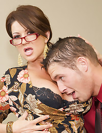 Glasses milf doing hardcore sex