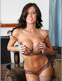 Busty Brunette Cougar Veronica Gets Naughty