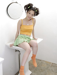 Pretty Japanese In Sexy Linge...