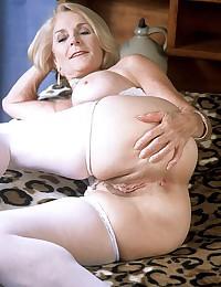 Free mature sex pics