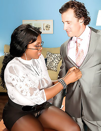 Chubby black office babe in l...