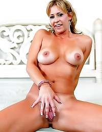 Big titty milf with tan lines