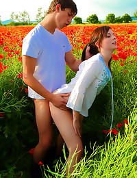 Licking teen pussy in field o...