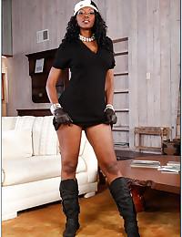Black pornstar with bubble butt