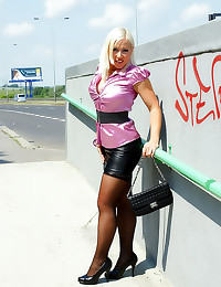 Satin hottie clothed sex outd...