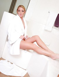 Love Abbie - Blonde babe in the bath showing us a tight young body