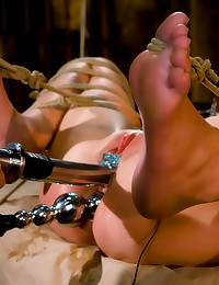 Femdom with extreme bondage pain